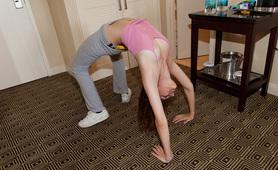 laura lovett yoga girl fetish