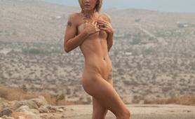 piper candless desert beauty naked