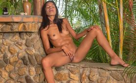 Ebony Jennifer LInarez nude masturbation in jungle