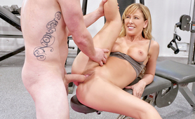 Cherie Deville seduces her training partner during their workout.